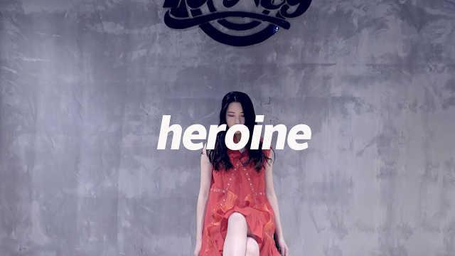 小姐姐超还原翻跳《Heroine》