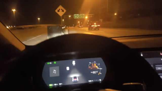 特斯拉车主测试自动驾驶,差点送命