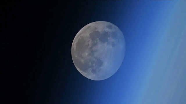 地球人看不到!宇航员拍到月落过程