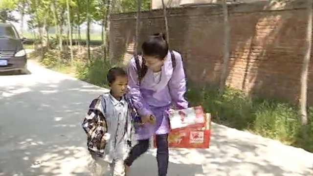 38岁单亲妈妈做公益上瘾:内心快乐