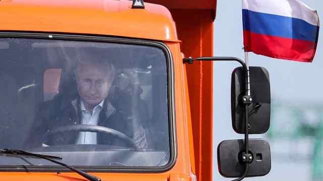 普京开卡车没系安全带,官员这样答
