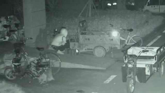 男子偷800块电瓶,民警:洗劫式偷盗