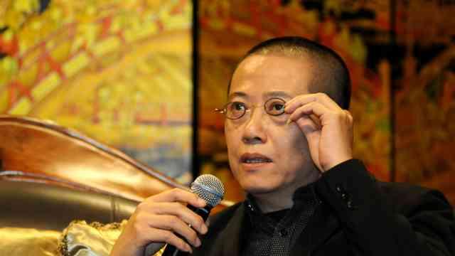 陈丹青评姜文近作:想法憋太久,馊了
