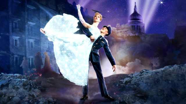 舞蹈剧场灰姑娘上演至暗时刻的爱情