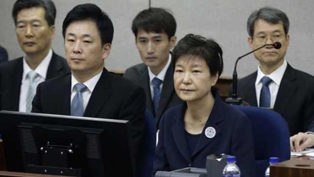 韩国前总统朴槿惠二审刑期增至25年