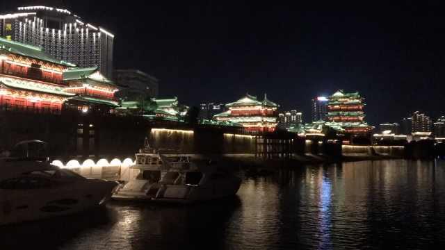 壮观!赣江两岸上演灯光秀,游客大赞