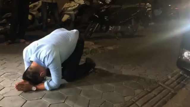 柬媒:男子撞车后逃逸,自称中国人
