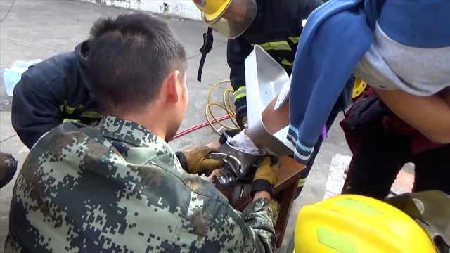 他手掌被卷绞肉机,消防3小时解救