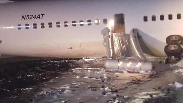 载128人波音757摔机迫降,6人受伤