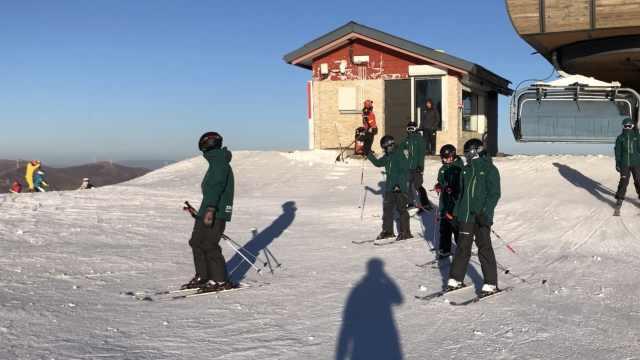 台湾帅气小哥哥冬奥滑雪场初体验