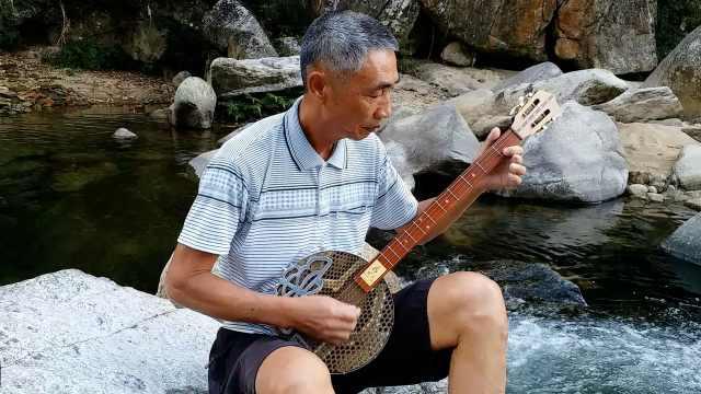 66岁老人与音乐为伴:活到老学到老