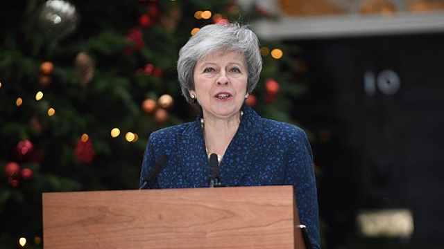 挺过不信任投票,梅姨保住首相职位
