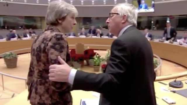 欧盟峰会上梅姨与欧盟主席激烈争吵