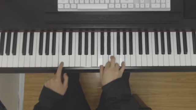 钢琴教学:陈雪凝《假装》