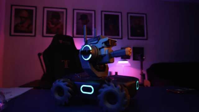 引燃全网!大疆玩跨界推高科技玩具