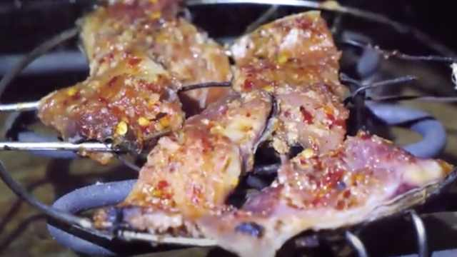 湘西待客必备酸鱼:桶子里最多腌4年