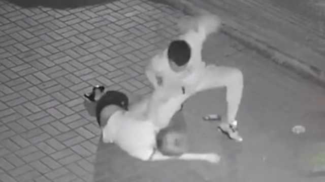 暴力并猥褻,警方抓獲暴打女子疑犯