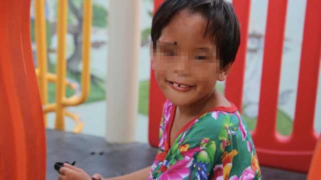 女童遭妈打浑身伤,父母失联寻领养
