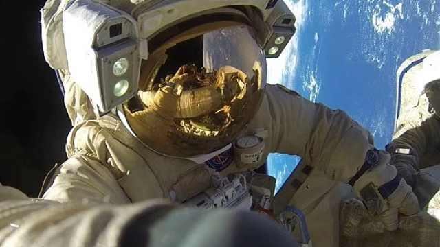 直播:太空行走!为商业载人飞船准备