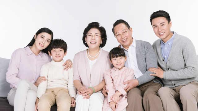 中国人均寿命从35岁增长到77岁