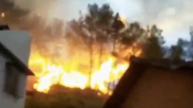 江西赣州突发山火,蔓延2天终被扑灭