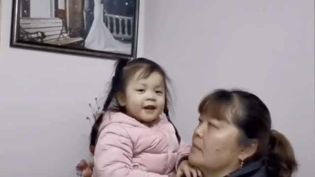 2岁娃在线喊话抗疫妈妈:早点回家