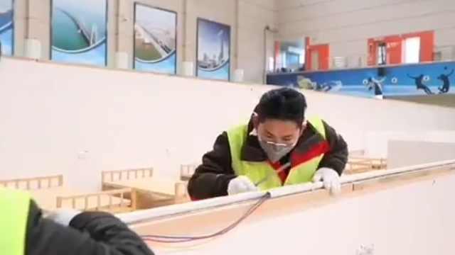 武汉体育中心方舱医院今晚建成