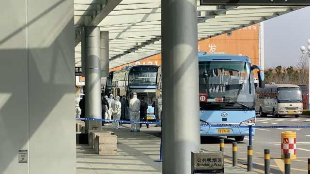 韩国飞山东航班5人发热,163人隔离