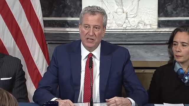 纽约市长呼吁CDC放权新冠核酸检测