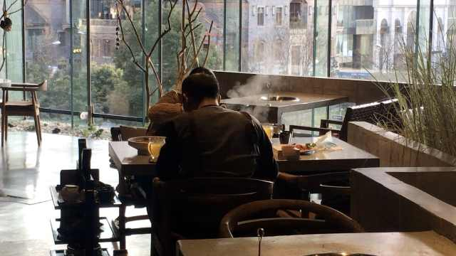 火锅店恢复堂食,顾客1次点十几道菜