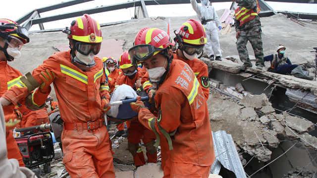 泉州坍塌酒店已致4人死亡,专家增援