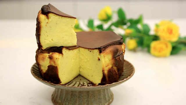 巴斯克焦皮烤芝士蛋糕:纯粹吃材料