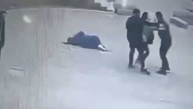 男子不佩戴口罩,拳打防疫人员被拘