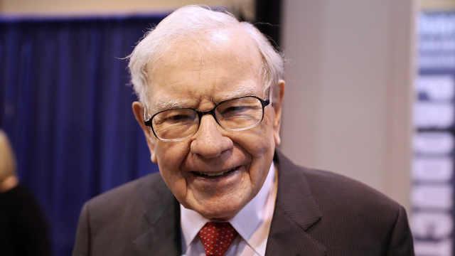 巴菲特称不会投资特斯拉:只和马斯克见过几次,聊的也不多