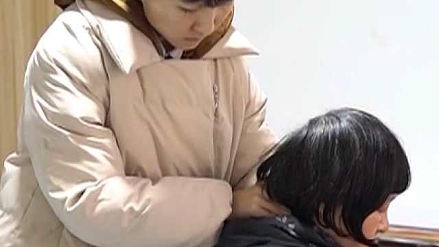 荆州:为了妈妈,学霸女孩放弃保研读专科