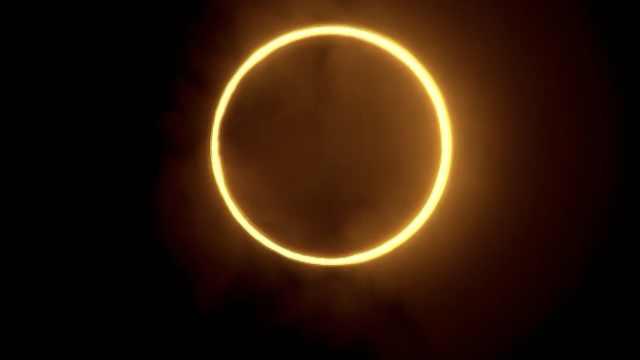 """壮观!厦门现""""金边日食""""持续58秒,形似一枚戒指"""