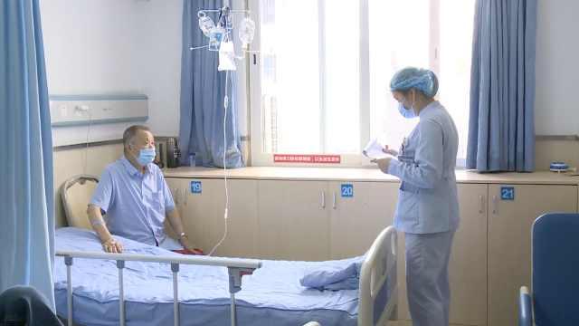 牙疼难忍,87岁硬汉大爷拿钢丝钳自己拔掉,次日晕倒住进ICU