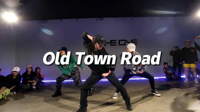 Mori Minami编舞《Old Town Road》全网爆火版