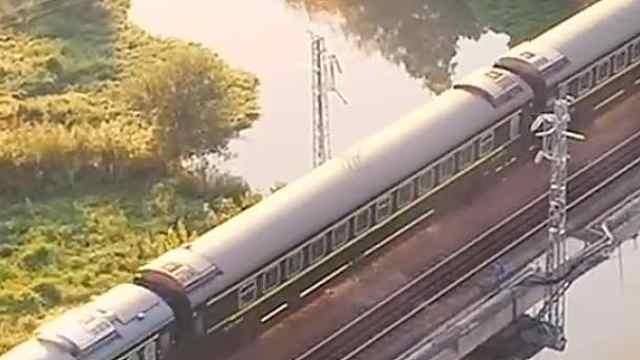 《追光者》:开往春天的列车——绿皮火车