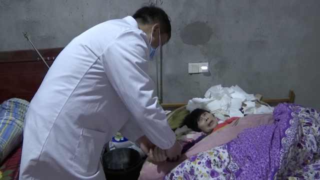 医生28年扎根农村守护上百患者:每名患者每年至少走访四次