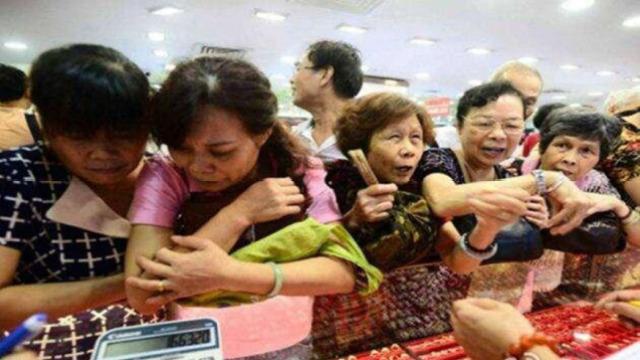 日本人把13亿吨烂蔬菜装进包里卖