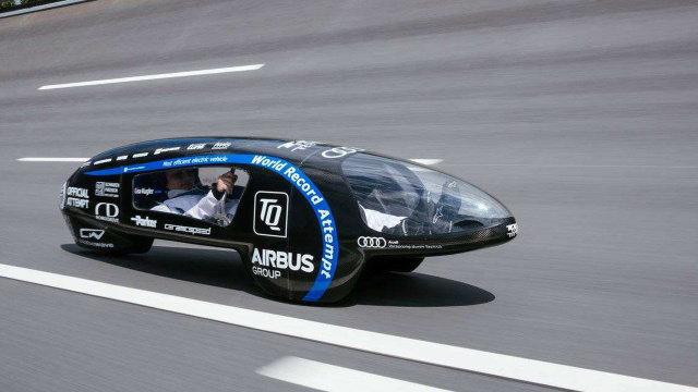 一度电就能跑几千公里的高效电动车