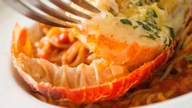 美味的龙虾面