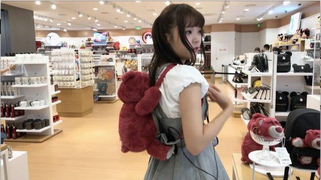 迪士尼又开新店,带你去看草莓熊