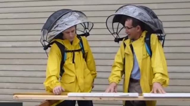 雨伞背包,解放你的双手!
