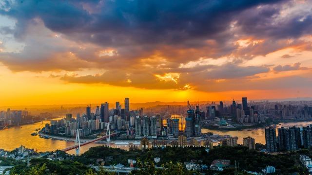 他给山城重庆拍了一部4D宣传片