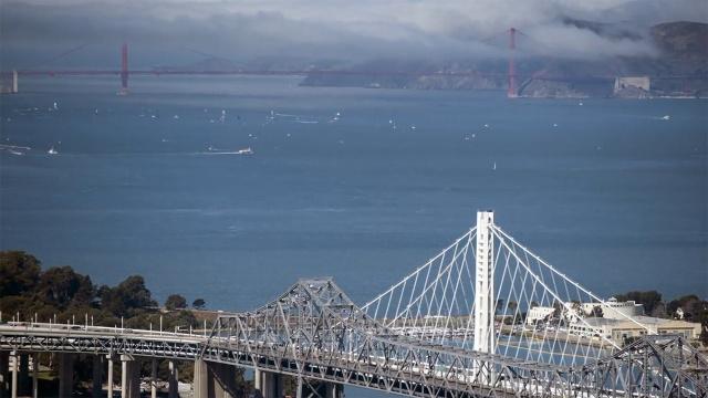 中国公司完成美国一大桥的重建工程
