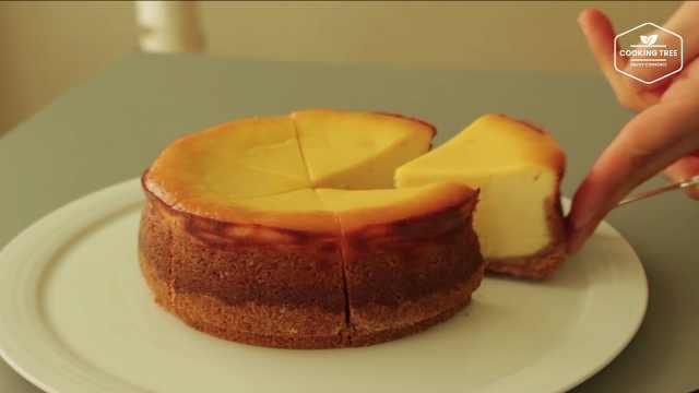 这个乳酪蛋糕简直是巨型蛋挞!