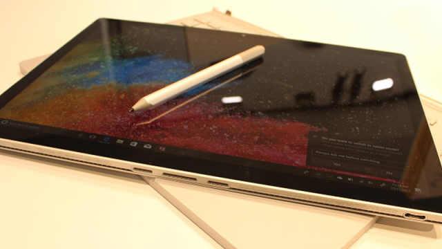 微软突然炸出二代Surface Book