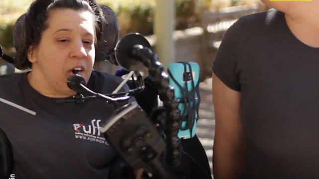 脑瘫女创建公司帮助无数身障人士